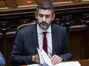 """L'annuncio del ministro Fraccaro: """"Da settembre lavoreremo per ridurre di ..."""
