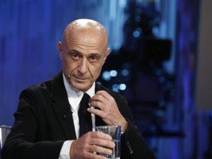Perché la candidatura di Minniti è più utile a Renzi che al PD