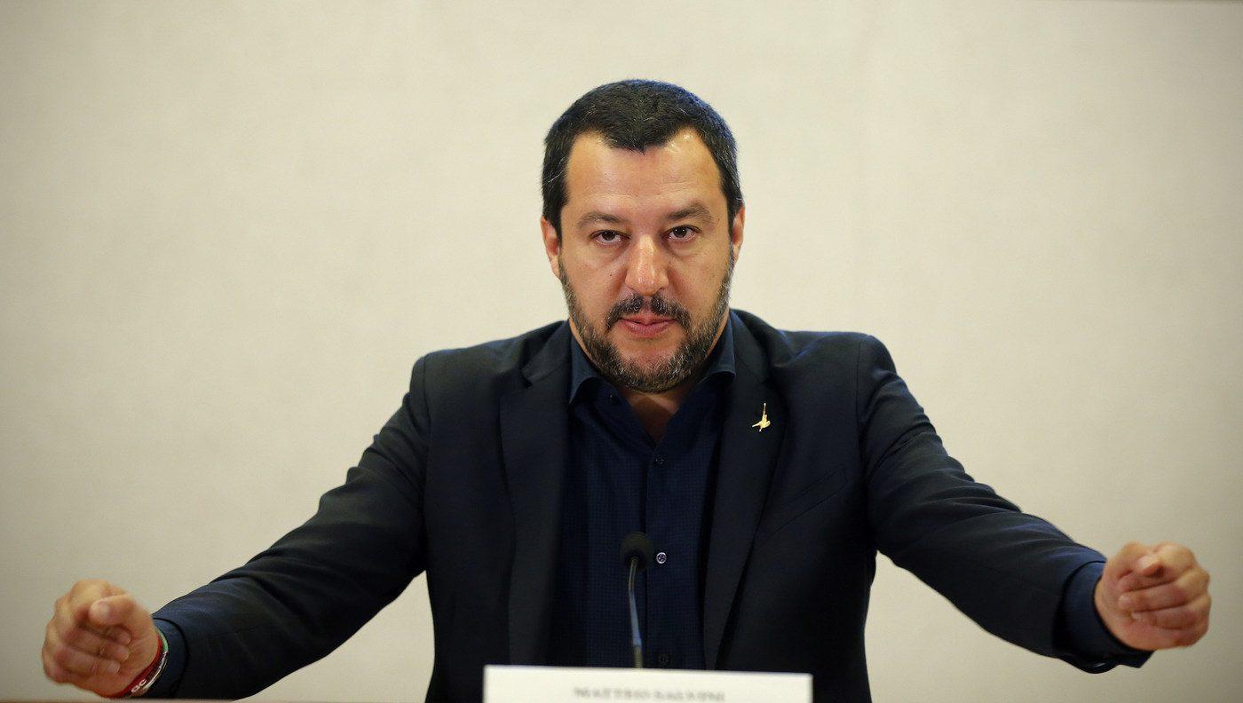 Migranti, arriva il decreto Salvini: addio al permesso di ...