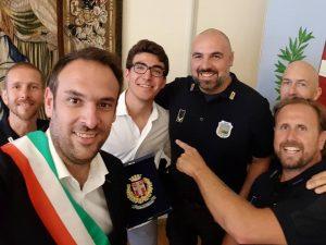 """Treviso, giovane seminarista """"placca"""" un pusher in fuga: il"""