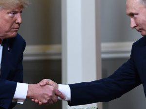 """Trump e Putin: """"Basta clima da guerra fredda. Sul voto Usa nessuna interferenza russa"""""""