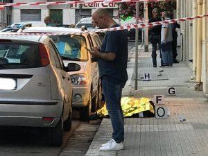 Brindisi, conflitto a fuoco con la polizia davanti alla banc