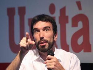 """Condono, Martina chiede le dimissioni di Di Maio: """"Spettacol"""