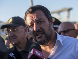 Treviso, esplode ordigno davanti alla sede della Lega: non c
