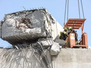 """Crollo Ponte Morandi, la frase """"in piedi per 100 anni"""" è nei"""