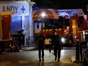 Incendio in un sobborgo di Parigi, 7 persone gravissime: tra