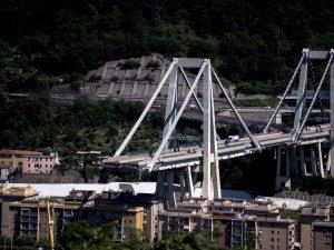 """Crollo Ponte Morandi, governo contro Benetton: """"Revoca conce"""