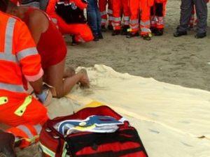 Metaponto, mamma 26enne muore annegata davanti alla figliole