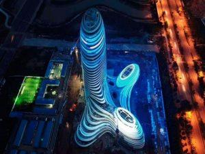 """In Cina c'è un edificio a forma di """"pene con testicoli"""" (che"""