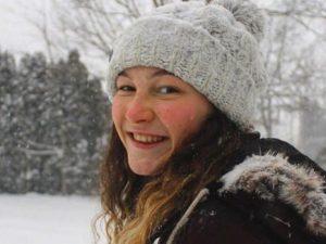 Alexandra, morta suicida a 17 anni. Nei suoi diari scriveva: