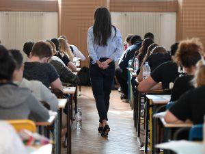 """Scuola, troppe insegnanti donne: """"Senza riferimenti maschili i ragazzi non superano gli stereotipi"""""""