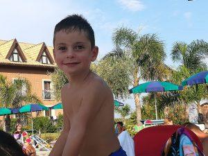 Nemmeno una maestra per il piccolo Gaetano, bimbo autistico