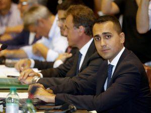 """Di Maio: """"Pronta proposta di legge per tagliare 345 parlamen"""