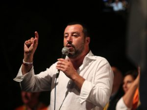 """Salvini: """"Di Maio persona onesta e concreta con cui lavoro b"""