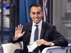 """L'annuncio di Luigi Di Maio a Porta a Porta: """"Il reddito di"""
