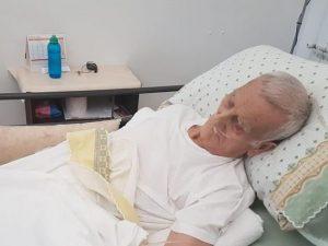 La casa finisce all'asta |  nonno Mariano a 90 anni legato in barella e sfrattato a forza