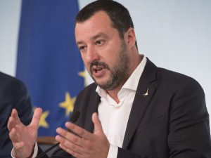 """Salvini: """"Dl Immigrazione lo avrebbe fatto un francescano. E"""
