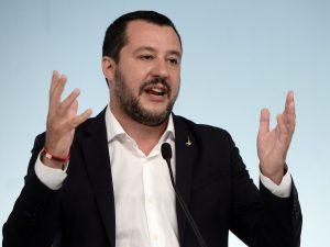 """Condono, Salvini chiude lo scontro con Di Maio: """"Se ci sono"""