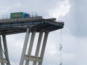 """Ponte Morandi, smentita la versione dell'ingegnere: """"La bobina non c'entra, non è mai caduta"""""""