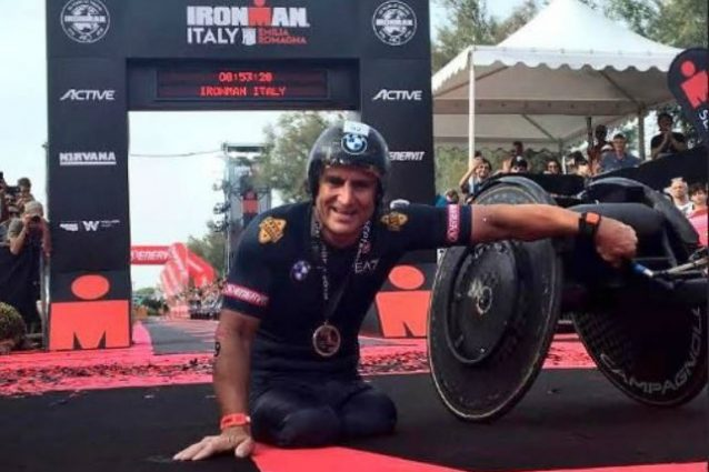 Alex Zanardi demolisce il record del mondo paralimpico nell'