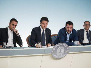 Manovra, l'agenzia Moody's ha tagliato il rating dell'Italia
