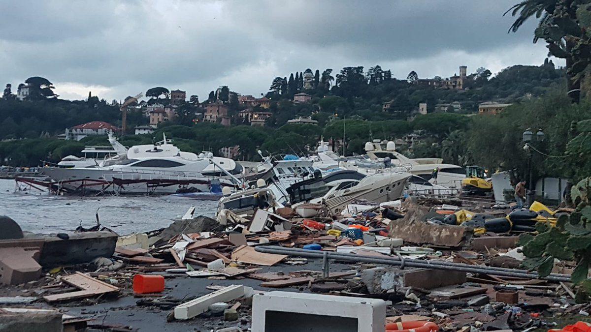 Yacht Di Maltempo RapalloStrage Porto LiguriaDevastata Al SMzqGVLUp
