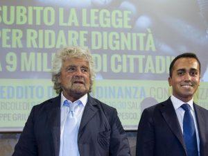 """Le battute di Grillo dal palco offendono le persone con autismo: """"Perché ci prendi in giro?"""""""