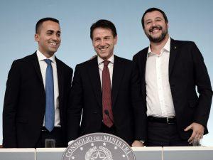 Sondaggi politici, il 51% degli italiani crede che si dovreb
