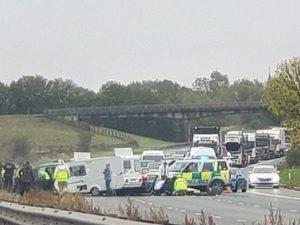 Regno Unito. Controsenso in autostrada: scontro frontale, mu