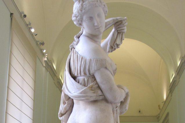 Venere Callipigia Superstar: la regina dei musei dal Mann di