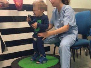 """""""Restituite i tutori a mio figlio, non può camminare"""": l'app"""