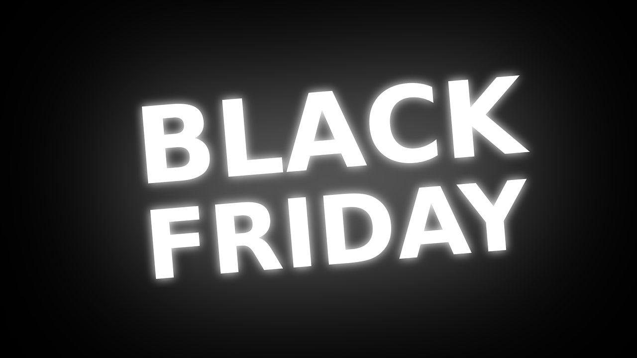 c04d6f4e6c Offerte settimana del Black Friday: le migliori su Amazon fino all'80% di  sconto