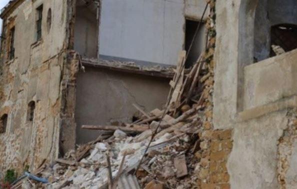 Maltempo sicilia ad agrigento crolla anche casa camilleri for Ospitare a casa
