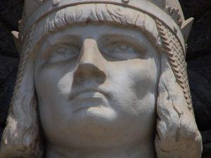 """""""Jesce sole"""": il famoso modo di dire (e la canzone) del dialetto napoletano nasce con Federico II"""