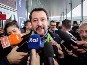 """Salvini a Merkel: """"Europa rischia guerra per il nazionalismo? Il pericolo è burocrazia Ue"""""""
