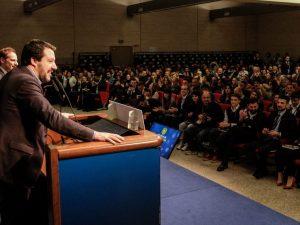Matteo Salvini vuole abolire il valore legale del titolo di