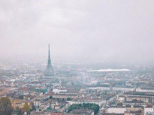 Nebbia e pioggia a Torino: il sole manca da 16 giorni, l'ult