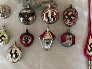 Decorazioni natalizie con le svastiche, il sito danese DBA l