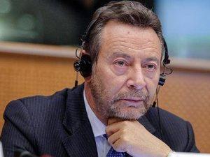 Morto d'infarto l'ex eurodeputato Raffaele Baldassarre: aveva 62 anni