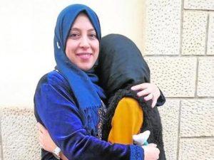 Spagna, studentessa di 13 anni cacciata dalla scuola perché indossa il velo islamico