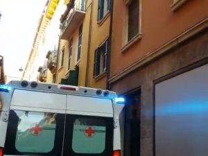 Verona, dodicenne precipita dalla finestra di casa e muore