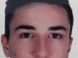 Padova, Daniele morto a 17 anni sotto i ferri: identificati
