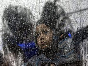 Bambina migrante di 7 anni muore di sete in un centro di acc