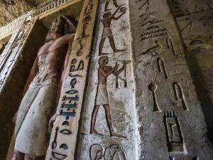 Storica scoperta in Egitto, tomba di oltre 4400 anni con sta