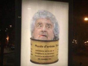 Beppe Grillo come 'merda d'artista': il finto manifesto pubb