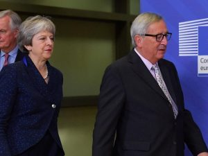 "Brexit, Jean Claude Juncker gela la Gran Bretagna: ""L'accord"