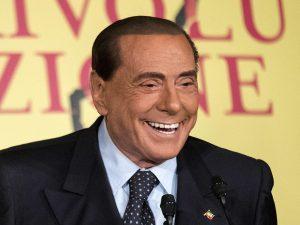"""Silvio Berlusconi pronto a candidarsi alle elezioni europee: """"Mi presenterò in tutti i collegi"""""""