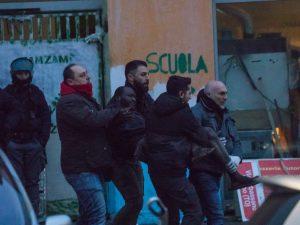 """Torino, sgombero """"dolce"""" all'ex villaggio olimpico: 60 occup"""