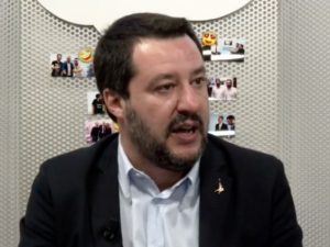 """Salvini lancia il referendum sulla Tav: """"Chiediamo ai cittad"""