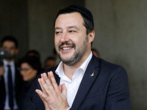 Sondaggi politici elezioni europee: Lega vola al 32,3%, M5s